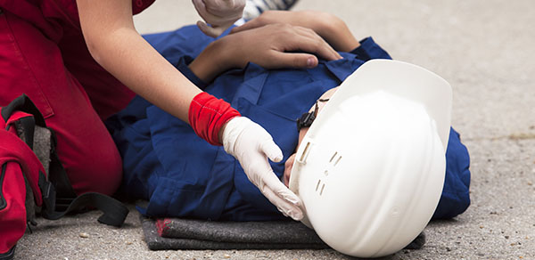 EMERGENCY FIRST AID AT WORK (1 DAY) 600 x 292